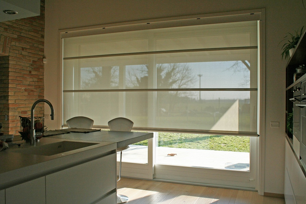 1 alzante scorrevole con tenda frangisole elettrica interna 5 falegnameria nuova pretolani - Tende porta finestra ikea ...