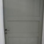 Porta con specchiature lisce laccata