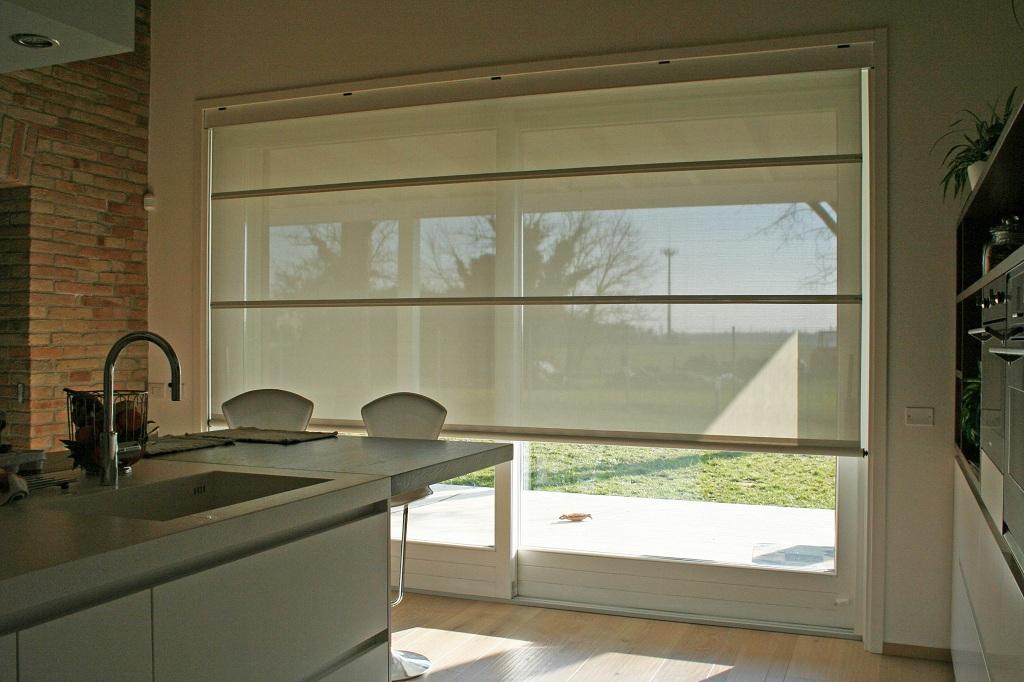 1 alzante scorrevole con tenda frangisole elettrica - Oscuranti per finestre prezzi ...