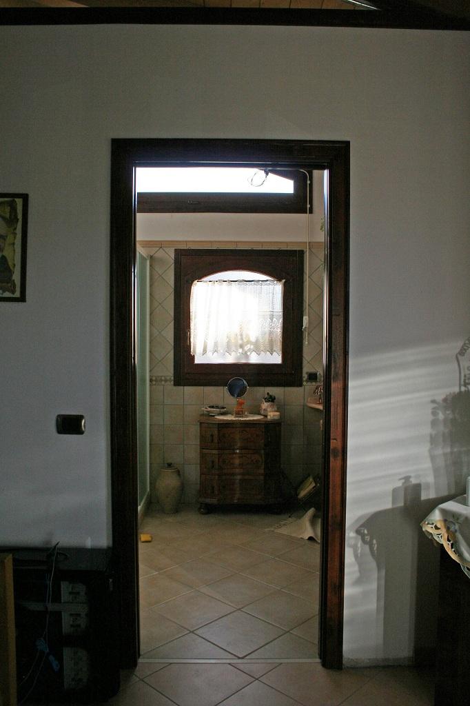 2 - Finestra in castagno (4)