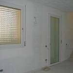4 - Finestra in PVC con cassonetti a tapparella a scomparsa (1)